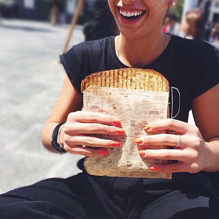 Regola n.1: un #Toast di #Capatoast va mangiato sorridendo! 😊😊😊🍞