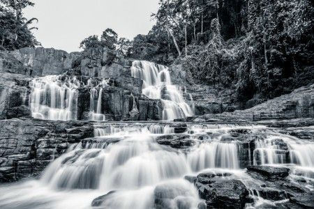 Verry Daendels: This wonderful waterfall located 45 kms from Makassar, its hide in the jungle, need 35 minutes to reach the spot