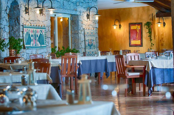 Restaurant Villasimius sea view. Cruccuris Resort Sardinia