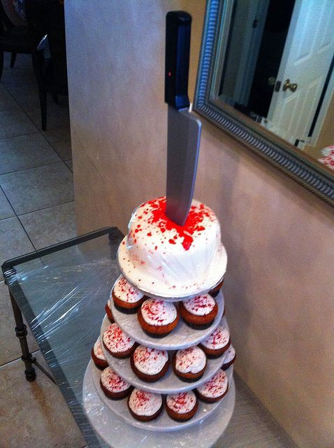 Dexter Cupcake Tower! Season premier party!