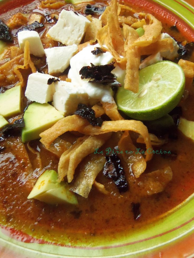 Tortilla soup, one of my guilty pleasures. Surprised? Once you have had a great tortilla soup, you will be preparing it year round, even in the middle of the summer! And that's how it happen…