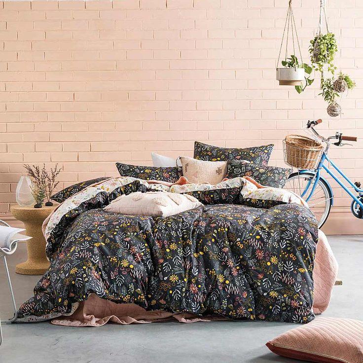 Pastel garden duvet cover set   Simons #maisonsimons #SimonsMaison #modernlounge #decor #home #homegoals #bedding #crochet #bedroom #flowers #LinenHouse