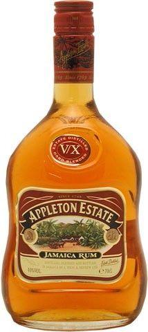 Blend van 15 soorten rum die tussen de 5 en 10 jaar rijpten in eiken vaten. Een toegankelijke, zachte en fruitige drank die zich leent als basis voor Daiquiri of Rum Old Fashioned.