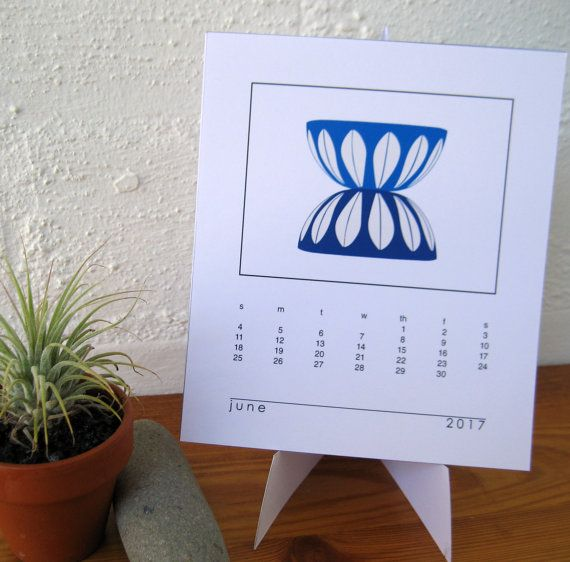 2017 Desk Calendar with Stand  fits Jewel Case  by paper4download