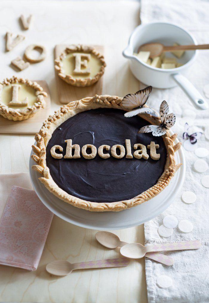 Recette : tarte au chocolat décorée - chocolate pie - Marie Claire Idées