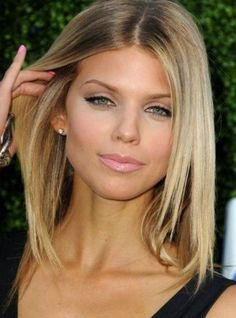 Coupe de cheveux fins mi long femme - http://lookvisage.ru/coupe-de-cheveux-fins-mi-long-femme/ #Cheveux #Beauté #tendances #conseils