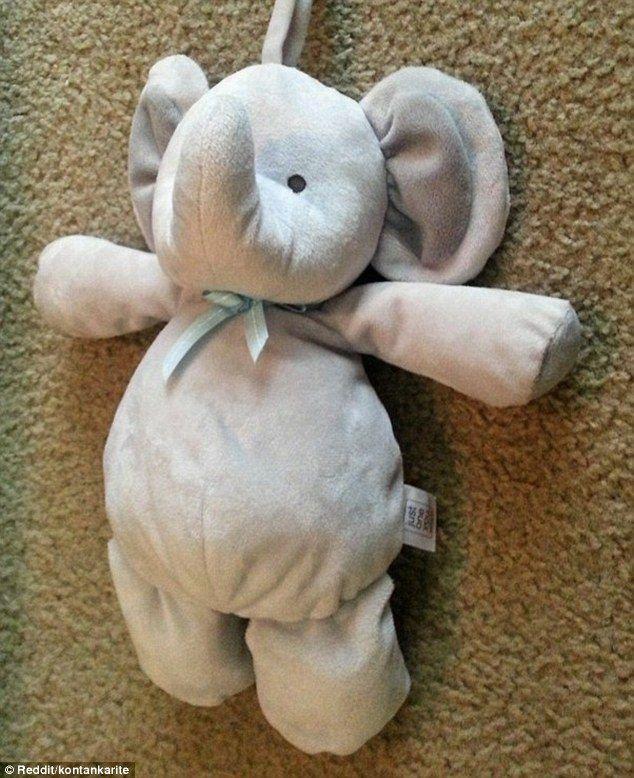 Buscando un juguete perdido - <p>De igual forma los padres de un niño le pidieron ayuda a internet de realizar un viaje para el peluche perdido de su hijo</p>