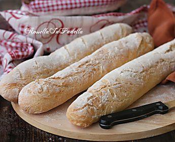 Pane in filoncini, buono come dal fornaio, croccante e ben alveolato