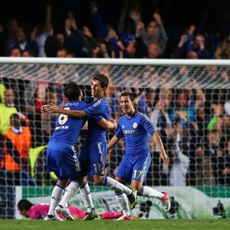 Oscar   Celebrando una anotación en Chelsea 2-2 Juventus. 10.09.12.