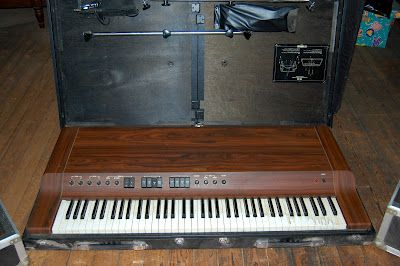 YAMAHA CP-30 ELECTRIC PIANO