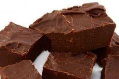 Ciocolata este deliciul preferat al multor persoane. Însă puțini sunt cei care au pregătit ciocolată acasă. Este o experiență neobișnuită, iar rezultatul obținut vă va bucura prin gustul său deosebit. Unii spun că ciocolata îngrașă sau nu este atât de folositoare, însă credem că în cantități rezonabile poate fi consumată de fiecare, în special ciocolata de …