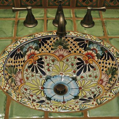 вручную расписанная керамическая раковина в средиземноморском стиле