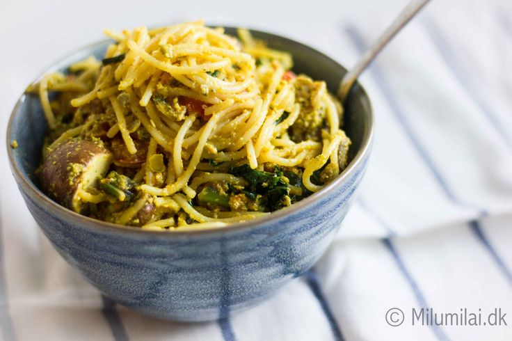 Vegan pasta with pumpkin seed pesto
