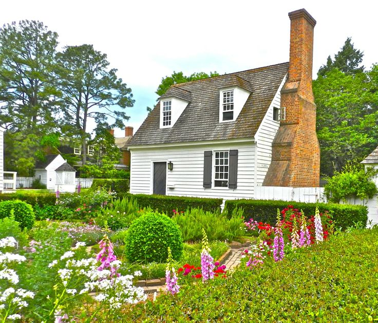 38 best colonial guest houses images on pinterest for Colonial log homes