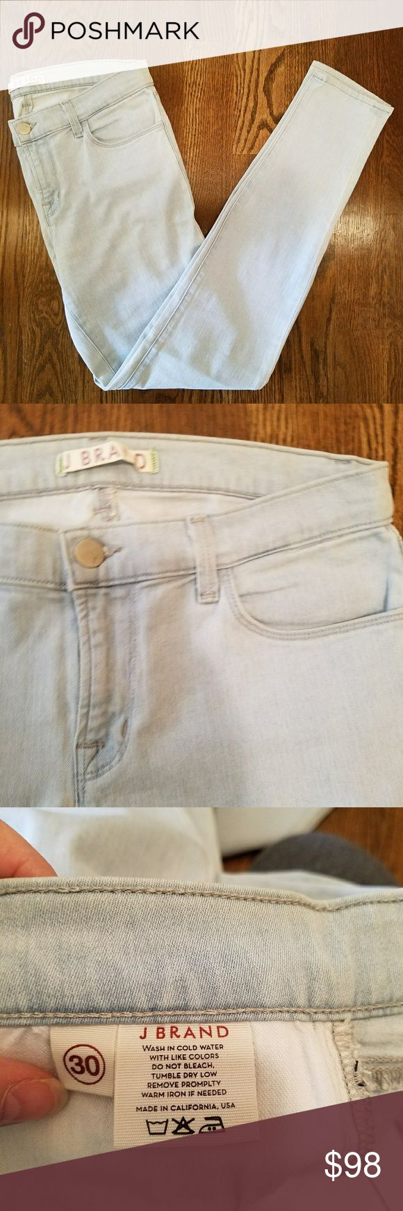 JBrand Light Wash Skinny Jean Pale blue light wash skinny jean in size 30! Perfect condition! Never been worn. Will accept reasonable offers. J Brand Jeans Skinny