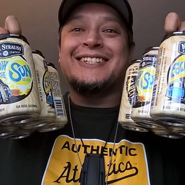 "Will be enjoying some Karl Strauss Brewing Company's ""Follow The Sun"" Handcrafted Beer this wonderful Sunday   Subscribe to my YouTube Channel ""MD Fitness 805"" for Free Fitness Tips, Workouts, Weight Loss Recipes, Fitness related news and more. Copy and paste this link: https://www.youtube.com/channel/UCK2c9aYV22kVm_dcUTPND3A  ✌️ #foodporn #fitness #freeworkouts #exercise #menshealth #seizethedayby #womenshealth #fitfam #fitnesslifestyle #healthylifestyle #love #sportsmedicine #onlinepe"