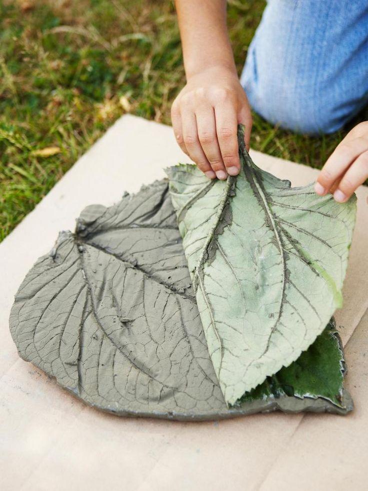 décoration jardin pas cher - feuille en béton à faire soi-même                                                                                                                                                                                 Plus