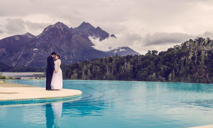 Postboda e-session en Hotel Llao Llao, Bariloche, Patagonia. #Wedding #photography. #Love. #WeddingDress. #Vestido de #novia. Wedding photos. #Boda, #Casamiento. Samanta Contin Fotografía