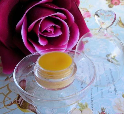 Balsamo riparatore e lenitivo alla rosa ispirato a Ultrabalm della Lush