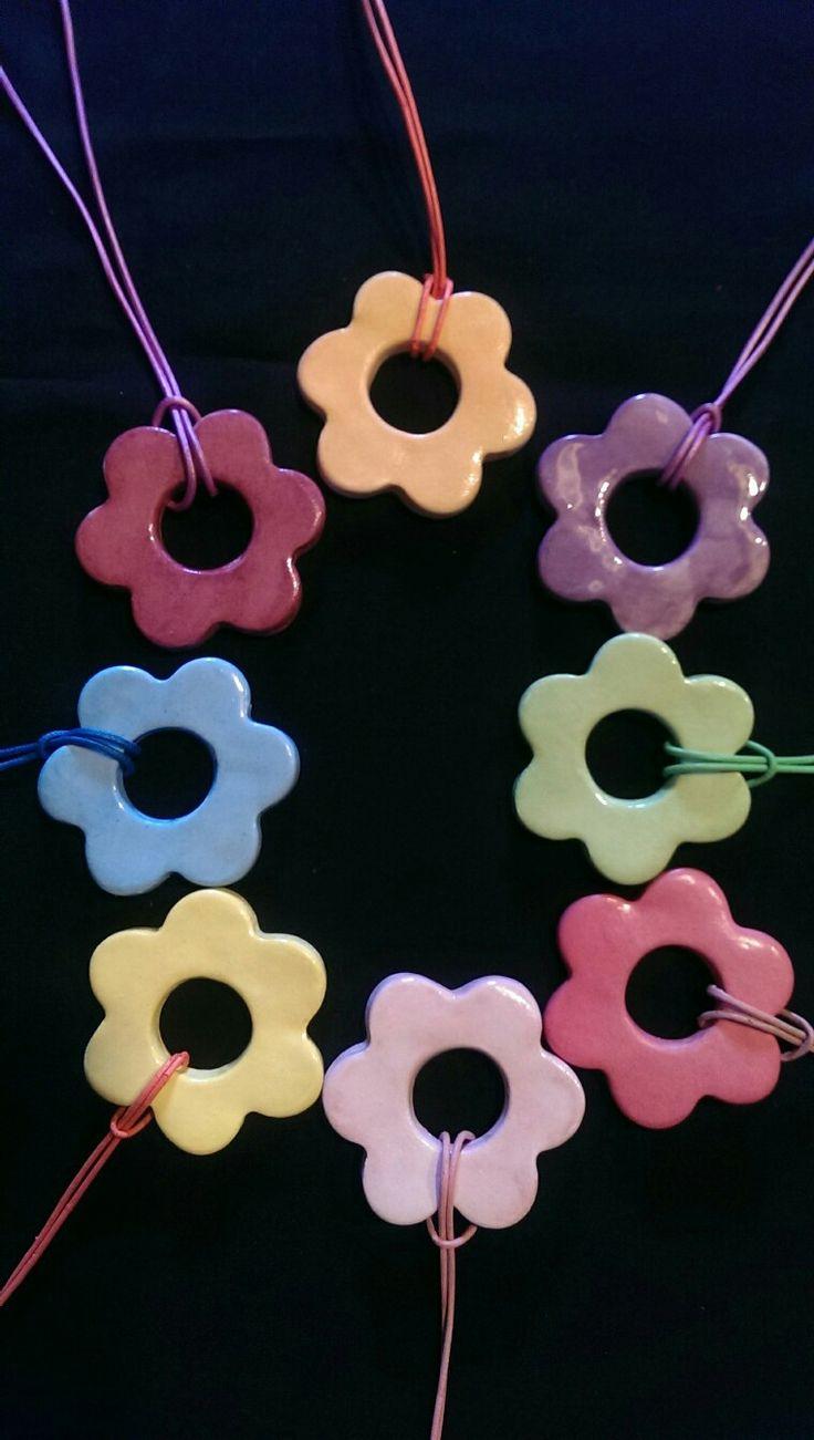 Ceramic pendants / Özlem Menekay