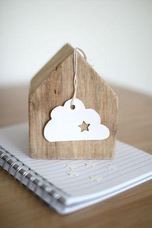 Little cloud . home . interior . déco . nuage . bois . maison . cahier . étoile