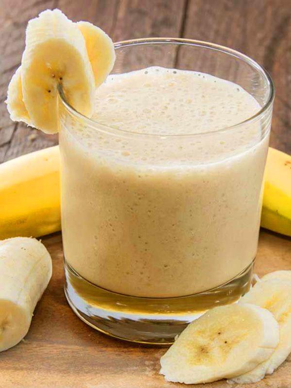 Frullato smoothie banana e cannella senza latte: ecco un cocktail veramente goloso, che saprà farsi apprezzare da grandi e bambini!