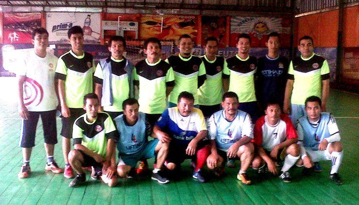 Rangkaian kegiatan Rutin POKJA HUMAS untuk menjaga kesehatan melakukan pertandingan Futsal.