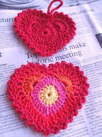 Colourful crochet heart ...  : O)