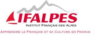 Institut pour apprendre la langue française en France フランス東部サヴォワ地方の小都市アヌシーの旧市街からほど近くにある私立学校。アヌシー校はアヌシー湖のすぐそばに位置しています。学生が積極的に授業に参加できるように授業以外でもフランス語を話す機会を多く設けているのが特徴です。 学校主催のアクティビティも多く、近隣への日帰りツアーや、夏にはカヌー、冬にはスキーといった季節毎のツアーも楽しむ事ができます。 また、フランス教育省が行っているフランス語学力テストTCF(フランス語学力テスト)の実施校です。