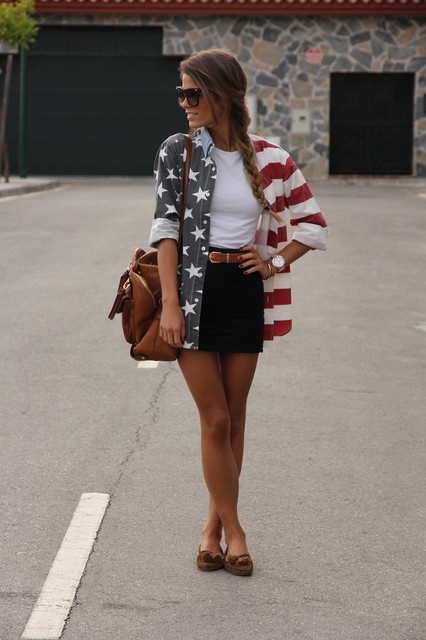 I love the over sized American flag shirt! It's a cute outfit for the 4th or just to show some American pride!