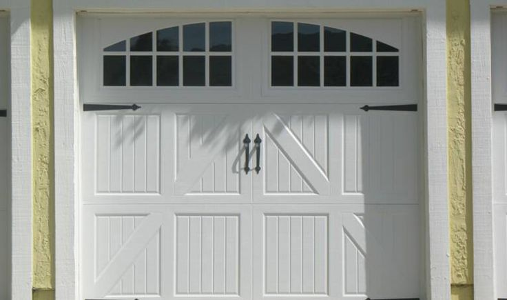 Are you looking for a beautiful new garage door? Then we are here to help. We have the largest product line of garage doors. Please visit www.Pro-Master.ca and give us a call on 1-866-808-4555 #garagedoor #Mississauga