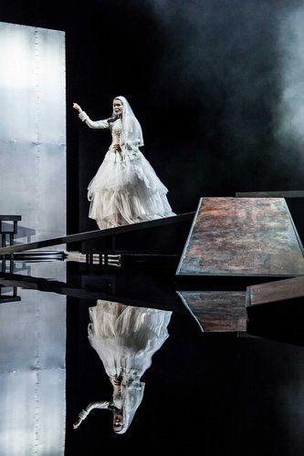 """The Crimson Petal and the White""M.Faber /Teatr Studio Warsaw/ dir K.Kowalski/ set and costumes K. Stochalska/ photo P.Iwińska"