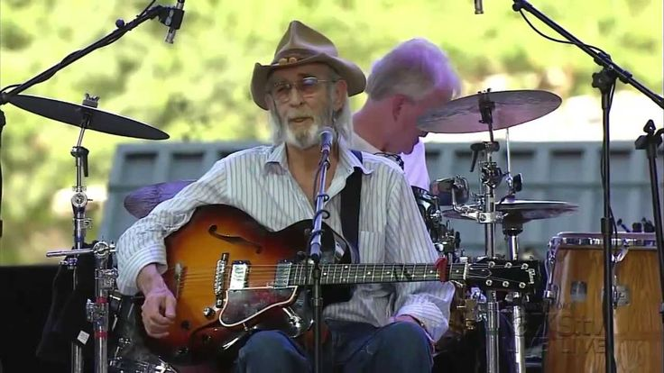 Don Williams live stage coach 2013.  He's still got it, after all these years.  LOVE him!!!