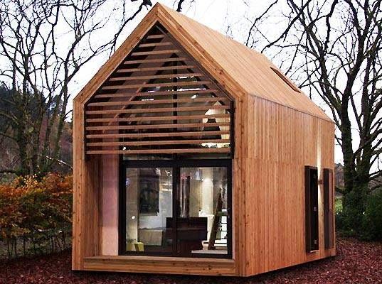 Teeny wooden house
