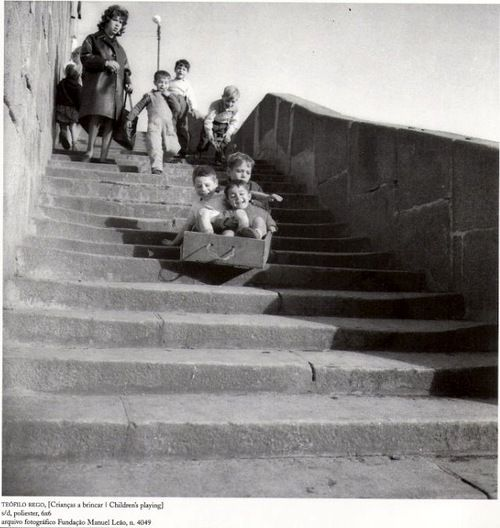 Teófilo Rego - Children playing, Ribeira, Porto, Portugal, Undated