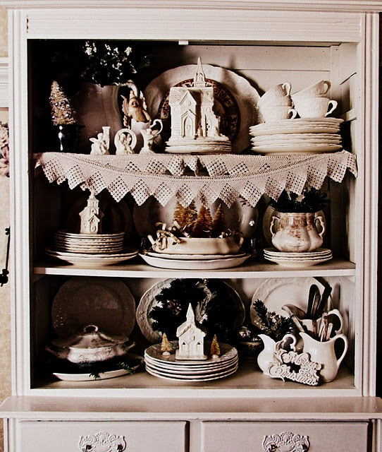 White Christmas hutch: Christmas Hutch, China Cabinets, Antiques Lace, White Christmas, Christmas Ideas, White Cabinets, Antiques Victorian, Gracie House, Christmas Parlor Th
