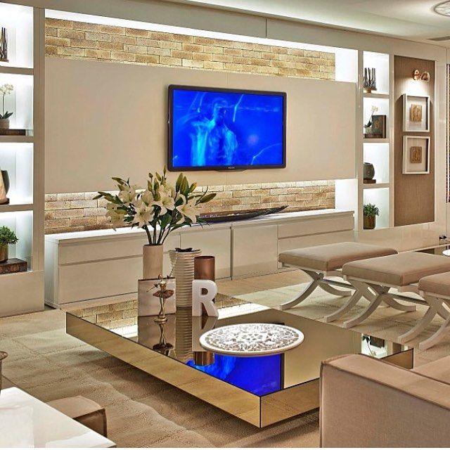 Olhem essa sala de estar, que moderna ! Quem aí gostaria de ter uma assim ? ❤ Ana Carolina Schio