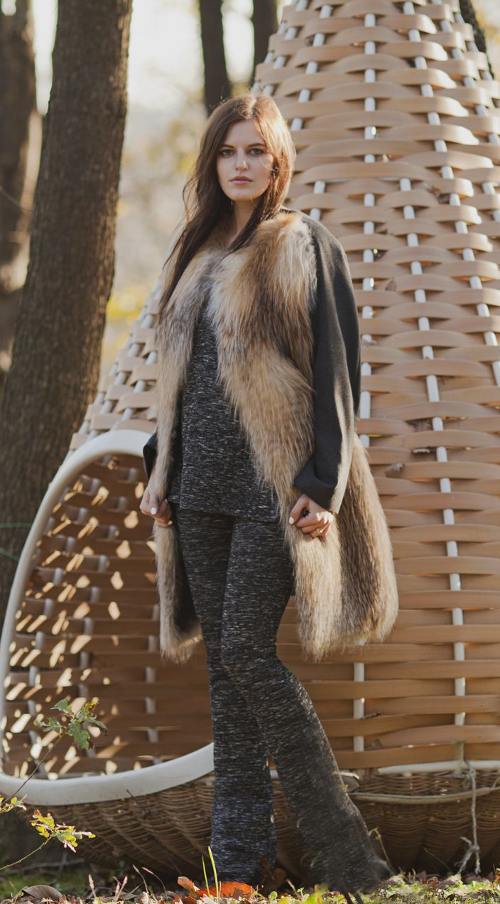Cashmere coat with fox details by Nicola Indelicato for #Adamofur #style #inspiration #woods #grey #ootd #inspiration #furstyle #furfashion #look #luxury #shopping #Istanbul