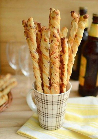Párty tyčinky s chutí slaniny. Vynikající nadýchané kynuté těsto.