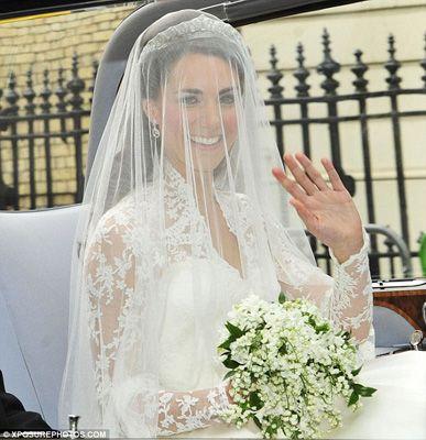 5 idee da copiare dal Royal #Wedding! Il #bouquet piccolo (e ricco di significato)