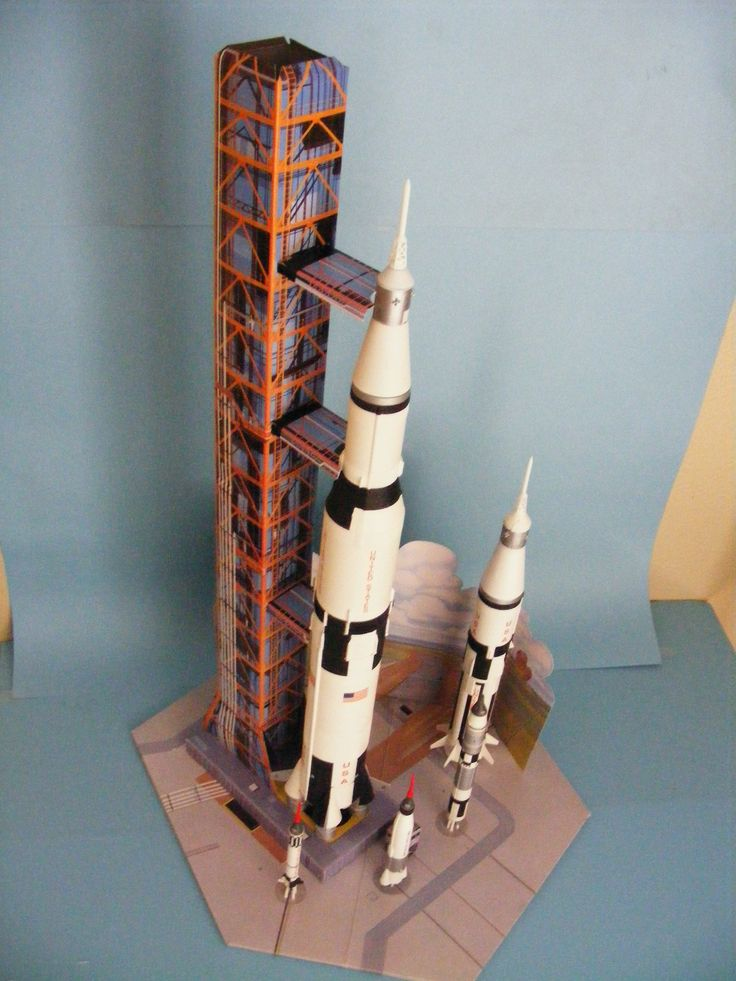 AMT Man in Space Kit Build by SC Model's Steve Causey