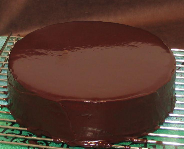 Cobertura de chocolate para tortas | http://www.una-papa.com/cobertura-de-chocolate-para-tortas/
