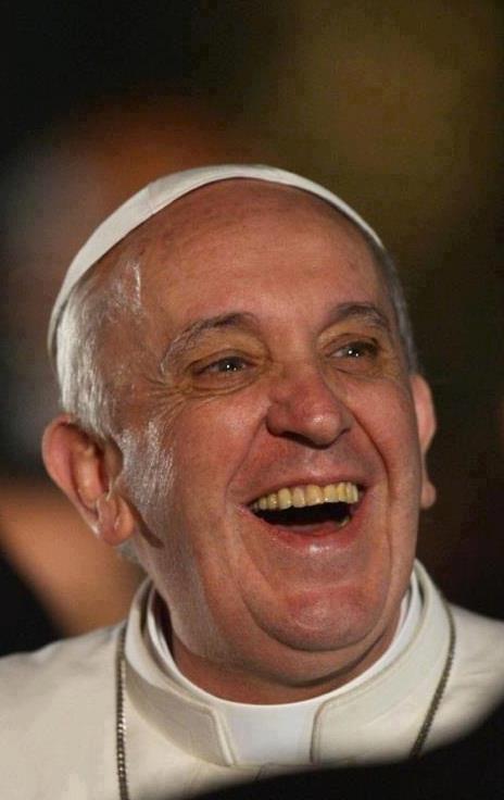 ❣Papa Francesco  chega ao Brasil no dia 22 de julho  . Ao jornal El País, Francisco disse que manifestações 'não contradizem o Evangelho'.\\ http://g1.globo.com/mundo/noticia/2013/07/papa-falara-de-manifestacoes-em-discurso-jovens-no-brasil-diz-jornal.html \\ http://g1.globo.com/jornada-mundial-da-juventude/2013/