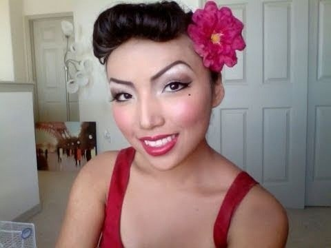 Check out this video to learn how to create a retro pin up look that's plain gorgeous. You can even wear this look for special occasions ot