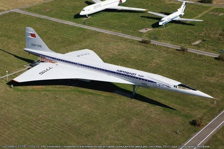 Tu-144 USSR-77110 you see on the image above landed thirty years ago at an airfield of Ulyanovsk-Barataevka. It was the final, 140th flight for the supersonic plane, its destination was the museum in Ulyanovsk. The flight lasted 1 hour 30 minutes, since the beginning of its service it had logged 247 hours 1 minute (including 116 hours 27 minutes in a supersonic mode).