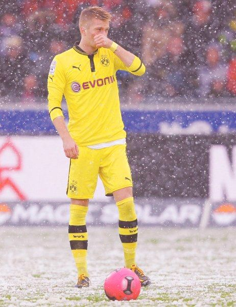 MARCO REUS 11 Playing in the snow!