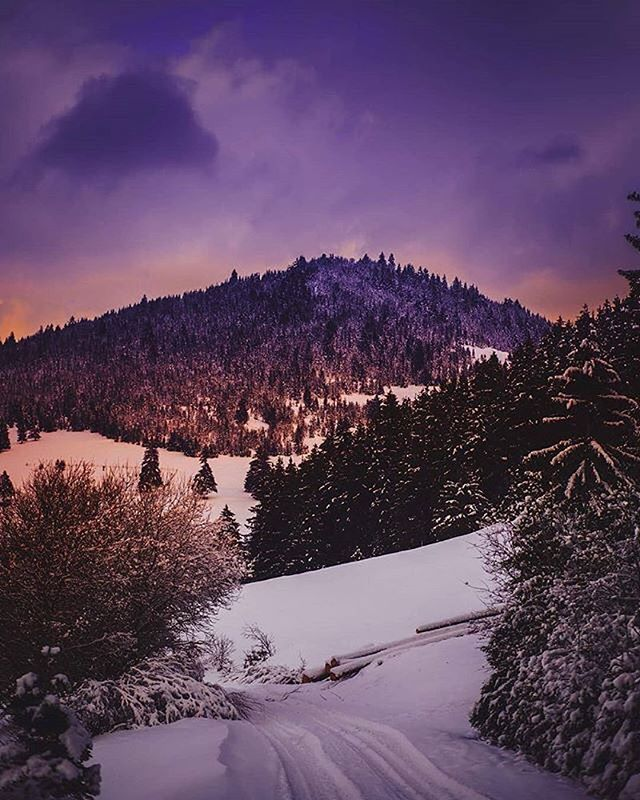 Csíkszépvíz/Frumoasa   regards @rosetibruno . . . . #landscapelovers #ig_watchers #ig_landscape #lovetotravel #earth_shotz #eclectic_shotz #majestic #exploretocreate #passionpassport #artofvisuals #ig_transylvania  #ig_nature #nature_uc #nature #pictureoftheday #canon_photos #vsco #szeklerland #instagood #bbctravel  #beautifuldestination #outdoorphotography #ourplanetdaily #ournaturedays #nature_lovers #ig_europe #thecreatorclass