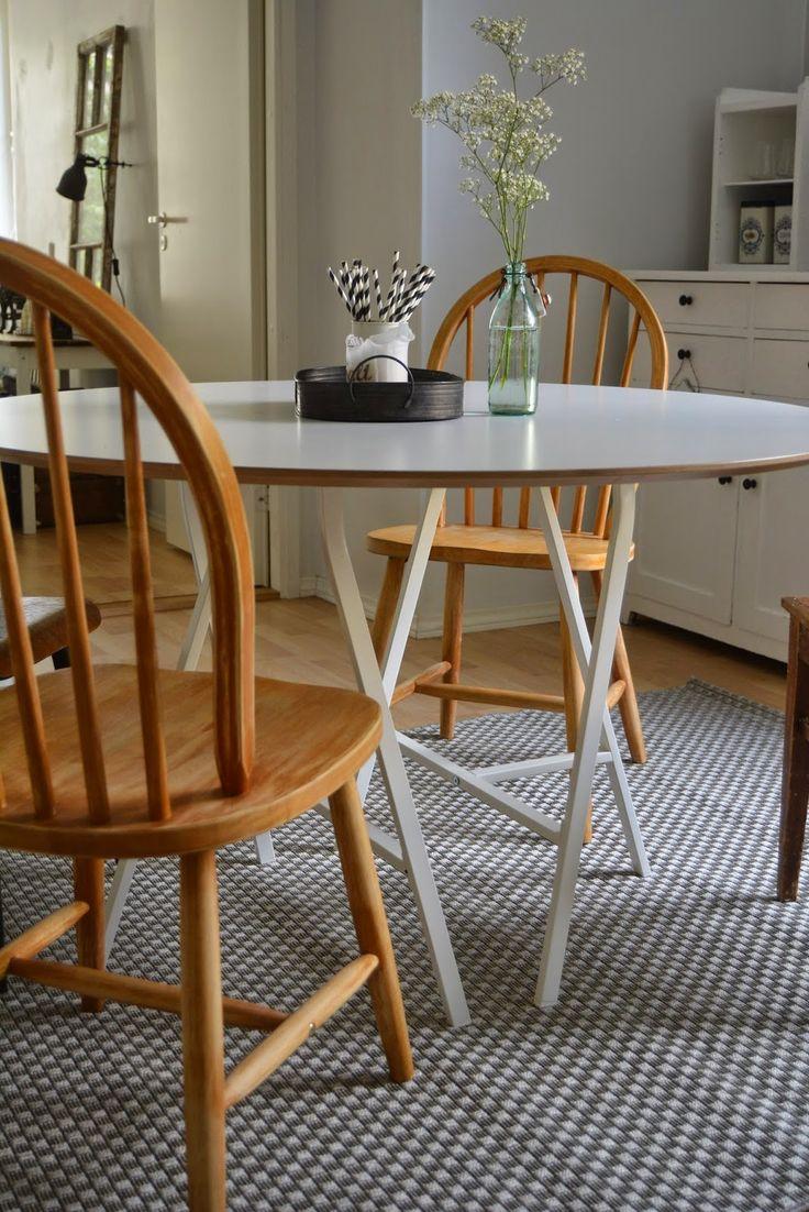 round kichen table