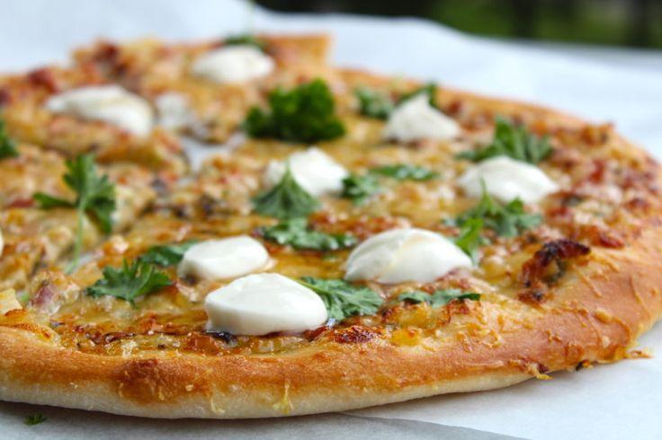Pizza Carbonara med baconsås