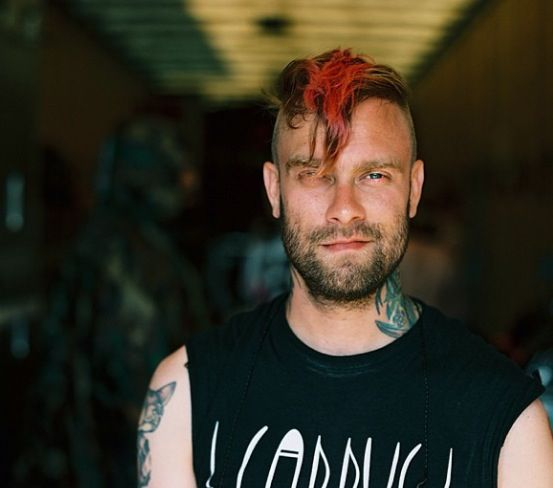 Bert McCracken. Boy, you are aging nicely ;-)